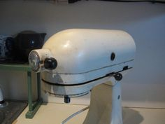 How to clean a Kitchen Aid Mixer tutorial. I bake, therefore I will need this tutorial.