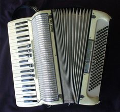 Accordian  by froggyboggler, via Flickr