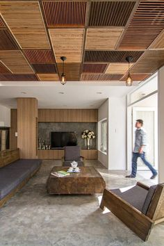 4 Masterful Clever Ideas: Natural Home Decor House Living Rooms natural home decor modern white kitchens.Natural Home Decor Rustic Cabinets natural home decor diy interior design.Natural Home Decor Rustic Countertops. Wooden Ceiling Design, Wooden Ceilings, False Ceiling Design, False Ceiling Ideas, Cheap Ceiling Ideas, Wooden House Design, False Ceiling Living Room, House Ceiling, Ceiling Plan