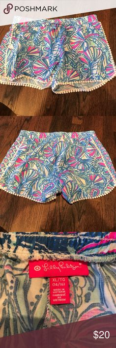 Lilly Pulitzer for Target shorts size girls XL Lilly for Target girls size XL (14/16). Worn once Lilly Pulitzer for Target Shorts