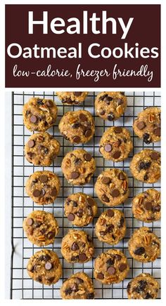 Soft and chewy healthy oatmeal cookies with applesauce, honey, raisins, and chocolate chips. No sugar! The best healthy cookie recipe. Healthy Meals For Kids, Healthy Snacks, Eating Healthy, Healthy Recipes, Baking Recipes, Clean Eating, Healthy Sides, Oatmeal Applesauce Cookies, Healthy Oatmeal Cookies