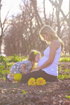 Resultado de imagen para Sesion de embarazo con hija