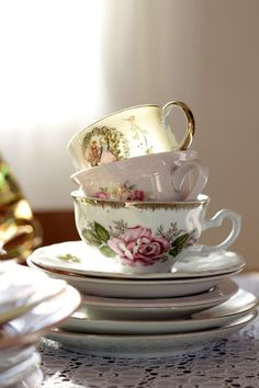 White and Fur: lovely teacups