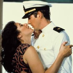 Debra Winger and Richard Gere in An Officer and a Gentleman Richard Gere, Debra Winger, An Officer And A Gentleman, Image Film, Meeting Someone New, Hollywood Fashion, Love At First Sight, Hopeless Romantic, Knights