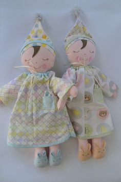 PDF SEWING PATTERN SLEEPY SUZIE Dolly 16 Sleepy Suzie Dressed doll This is a PDF sewing pattern, it makes this sweet sleepy Dolly in her little nightshirt and lace edged bloomers. With her Pompom hat and Rabbit slippers shes a fun project. Shes 16 or 40 cm long and made from woven