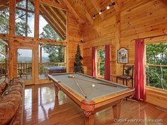 Secluded Romance - beautiful high ceilings and a gorgeous views of the Smoky Mountains!