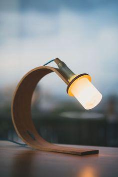 Quercus – unique desk lamp design by Max Ashford of product studio Greeb Cool Lamps, Unique Lamps, Unique Desks, Wooden Lamp, Desk Light, Design Blogs, Diy Desk, Interior Lighting, Ideas