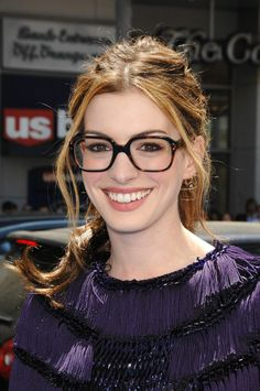 anne hathaway lunettes selima...I'm not a hipster, but I can see much better with huge glasses than with dinky frames.