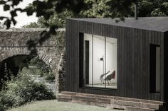 Prefab housing startup Koto has launched a series of modular cabins that can be customised with add-ons such as saunas and outdoor showers. Prefabricated Cabins, Modular Cabins, Prefab Homes, Tiny Cabins, Timber Cladding, Exterior Cladding, Exterior Windows, Timber Frame Cabin, Exterior Solutions