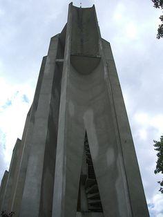 Eglise Saint-Crépin – Soissons (02)    Architecte Guillaume Gillet (1967)