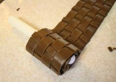How to Make Fondant Basketweave 20