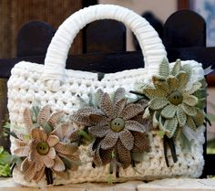 Free Crochet Bag Patterns Part 15 - Beautiful Crochet Patterns and Knitting Patterns Crochet Motifs, Freeform Crochet, Bead Crochet, Diy Crochet, Crochet Crafts, Crochet Patterns, Bag Patterns, Crochet Handbags, Crochet Purses