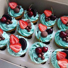Ці тістечка не залишать Вас байдужими Замовляйте за номером 0633618422 На завтра, післязавтра будуть вільні коробочки #капкейки #капкейкильвів #капкейкиназамовлення #cupcakes #lovelycupcakes #кремчиз #подарунок #солодкавипiчкальвів #тортназамовлення #солодощільвів