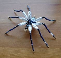Beaded Spider  AZURR by TheHappyBeadsCabinet on Etsy,   What a good idea!