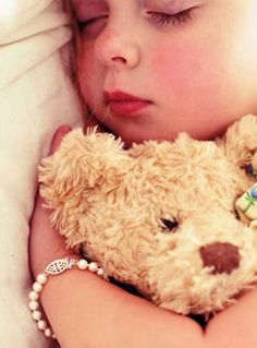 New Baby Photography Toddler Teddy Bears Ideas Anne Geddes, Little Ones, Little Girls, My Teddy Bear, The Little Prince, Cute Bears, Baby Bears, Good Sleep, Sweet Dreams