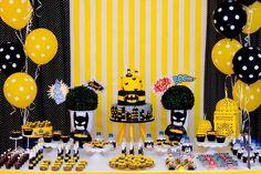 Fiestas infantiles de batman, fiestas de batman manualidades, decoracion de batman para cumple, cosas para cumpleaños de batman, centros de mesa de batman, dulceros para fiesta de batman, cumpleaños tematico de batman, disfraz de batman, invitaciones de batman, mesa de postres de batman para fiesta infantil, decoracion de eventos, fiesta infantiles, fiesta de niños, fiesta de moda, batman party, batman themed birthday #fiestaparaniñosdemoda #fiestadebatmanparaniños #manualidadesparaniños