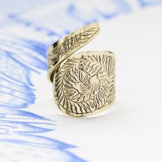 Are you interested in our handmade brass rings? With our unusual brass rings you need look no further. Chunky Silver Rings, Silver Rings Handmade, Sterling Silver Rings, Boho Rings, Jewelry Rings, Unique Jewelry, Jewelry Box, Women Jewelry, Fashion Jewelry
