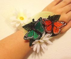 DIY Corsage i want to do this with lavender roses and purple and white butterflies