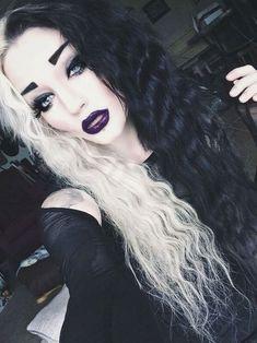 her hair looks awesome! Sorta like Cruella DeVil. her hair Dark Beauty, Black White Hair, White Blonde, Color Fantasia, Half And Half Hair, Mohawks, Pinterest Hair, Coloured Hair, Wig Hairstyles