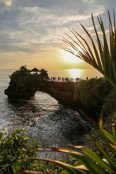 Tanah Lot, Bali, Indonesia Don't forget when traveling that electronic pickpockets are everywhere. Always stay protected with an Rfid Blocking travel wallet. https://igogeer.com for more information. #igogeer