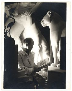 Love this dramatically lit portrait by Alfredo Valente of sculptor Paul Manship in his studio. Paul Manship, ca. Alfredo Valente papers, Archives of American Art, Smithsonian Institution. Harlem Renaissance, Archives Of American Art, Classical Realism, Bw Photography, Vintage Photography, Art Deco Movement, Magic Realism, Art Deco Design, Art Deco Fashion