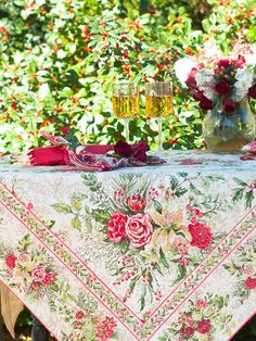 April Cornell Merry Tablecloth in Antique