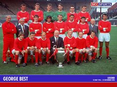 Man U July Sir Matt Busby poses with the Manchester United team and the European Cup. (Photo by Hulton Archive/Getty Images) Copyright © Manchester United Man Utd Squad, Man Utd Fc, Bobby Charlton, Manchester United Legends, Manchester United Players, Real Madrid, Munich Air Disaster, Image Foot, Man Utd News