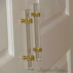 Door Ring lucite handle - lucite and brass pulls/ Drawer Handles/ acrylic Kitchen Cabinet Pull / wardrobe cupboard handles/Door handle/dresser drawer pulls. Perfect use as light weight door handles for Pantry, Passage Doors, Closet Doors. The Brass piece is Approximately 1 - 5/8 inches high.