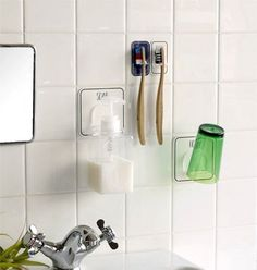 What a load capacity. Make your water area even cleaner with the magic sheet that sticks everywhere Staying Organized, Clean Up, Building A House, Life Hacks, House Design, Bathroom, Interior, Home Decor, Storage Ideas