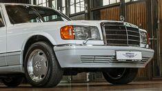 w126 Mercedes-Benz 560 SEL white S-class 1989 Mercedes W126, S Class, Garage, Cars, Future, Carport Garage, Future Tense, Autos, Garages