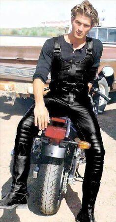 Longhaired biker bi men