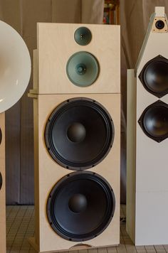 Nice Saba Greencones... would love to listen to this speaker.