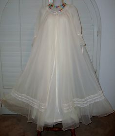FOR SALE !! Contact me with questions, or offers at, sjcintn@gmail.com  . Vintage Ivory Exquisite Intime 4 Layer Chiffon Nylon Negligee Robe Peignoir.#163