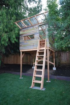 Easy to Build Tree House Plans and Exteriorscapes Playhouse – tree Backyard Fort, Backyard Playhouse, Build A Playhouse, Backyard Playground, Backyard For Kids, Backyard Projects, Simple Playhouse, Kids Playhouse Plans, Garden Projects