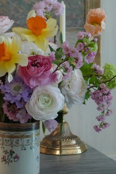 Spring Flowers in a free flowing arrangement :: Charlotte Moss's flower arrangements