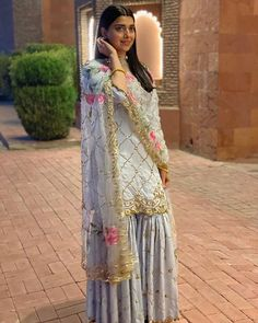 Indian Bridal Outfits, Indian Bridal Wear, Pakistani Outfits, Indian Wear, Stylish Dress Designs, Stylish Dresses For Girls, Girls Dresses, Dress Indian Style, Indian Dresses