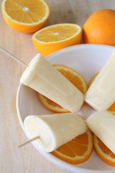 Orange yoghurt ice creams - Good for four orange yoghurt ice creams 120 ml… Healthy Popsicle Recipes, Healthy Popsicles, Healthy Snacks, Yogurt Ice Cream, Frozen Yoghurt, Greek Yogurt, Kiwi, Orange Yogurt, Orange Juice