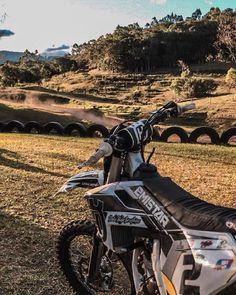 Emistar Racing - Pratique seu estilo! Motorcycle, Vehicles, Custom Products, Sportbikes, Style, Motorcycles, Car, Motorbikes, Choppers