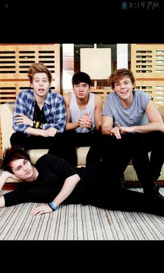 5 Seconds of Summer. Luke Hemmings, Calum Hood, Ashton Irwin, and Michael Clifford are such cuties :)
