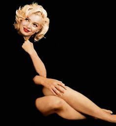 MARILYN MONROE: O CÉU NÃO SOUBE ESPERAR: MARILYN MONROE EM FOTOGRAFIA Hollywood Glamour, Hollywood Stars, Classic Hollywood, Old Hollywood, Fotos Marilyn Monroe, Estilo Marilyn Monroe, Marilyn Monroe Haircut, Marilyn Monroe Style, Marilyn Monroe Wallpaper