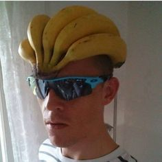 As a beginner mountain cyclist, it is quite natural for you to get a bit overloaded with all the mtb devices that you see in a bike shop or shop. There are numerous types of mountain bike accessori… Pimp Your Bike, Vive Le Sport, New Helmet, Funny Memes, Hilarious, Fun Funny, Memes Humor, Videos Funny, Cycling Helmet