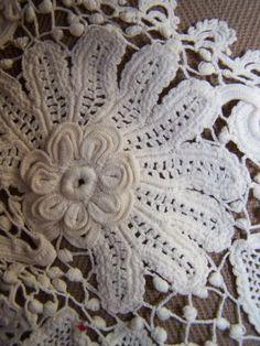 Vintage Hand Made Irish Lace Collar Piece EXC Cond Fine Crochet Flower Basket | eBay