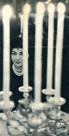 Maria Callas (1958 à Paris, chez Maxim's)