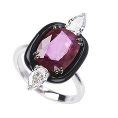 """292 Me gusta, 4 comentarios - Elena Veselaya (@twentyonejewels) en Instagram: """"A ruby, diamond and enamel ring, by Nikos Koulis. @nikoskoulisjewels #artdecostyle #rubyring…"""""""