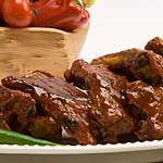 Fall-off-the-Bone Ribs in Barbecue Sauce recipe - Canadian Living Greek Ribs Recipe, Garlic Ribs Recipe, Honey Garlic Ribs, Slow Cooker Ribs, Slow Cooker Recipes, Crockpot Recipes, Pork Rib Recipes, Barbecue Sauce Recipes, Barbeque Sauce
