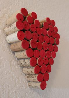 Custom Wine Cork Red Heart Wall Hanging por thevinecorkdesigns