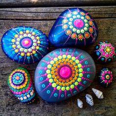 #YuliaArtDots #Yulia #paintedstones #rocks #pebbles #stones #dots #mandala…