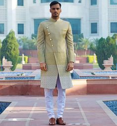 Need design inspiration for Pakistani wedding sherwani? Check out latest trendy patterns every groom who love Pakistani sherwani should try in wedding. Sherwani Groom, Mens Sherwani, Wedding Sherwani, Mens Shalwar Kameez, Indian Groom Wear, Achkan, Wedding Design Inspiration, Nehru Jackets, Whatsapp Messenger
