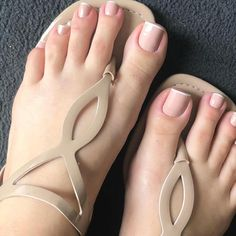 Hand and foot nails for this summer 21 This summer your hand and toenails will be very remarkable. Cute Toe Nails, Cute Toes, Pretty Toes, Toe Nail Art, Feet Nail Design, Acrylic Toes, Feet Nails, Toenails, Beautiful Toes