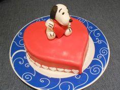 Snoopy Innamorato - http://tortedecorate.eu/snoopy-innamorato/